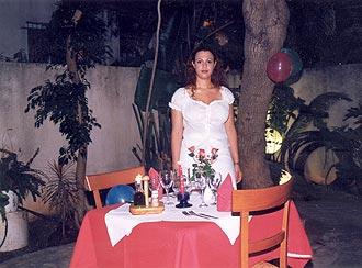 שף + מלצרית עד הבית לארוחות רומנטיות בבית הלקוח