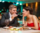 """איפה תהיו בט""""ו באב? הארוחות הכי שוות לערב רומנטי"""