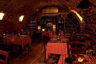 תמונה של מרתף היין העתיק - 4