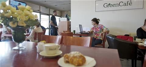 גרין קפה - בית קפה בחבצלת השרון
