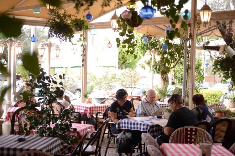 מסעדה במושבה הגרמנית