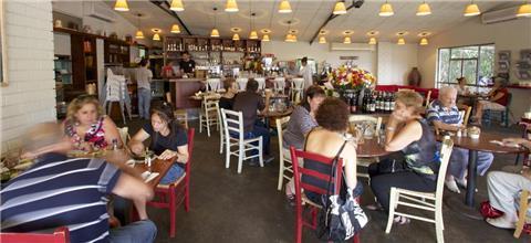 חנדלה - בית קפה בשרון