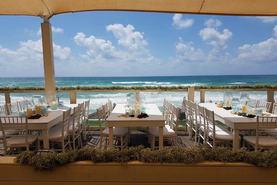 מסעדה על חוף הים