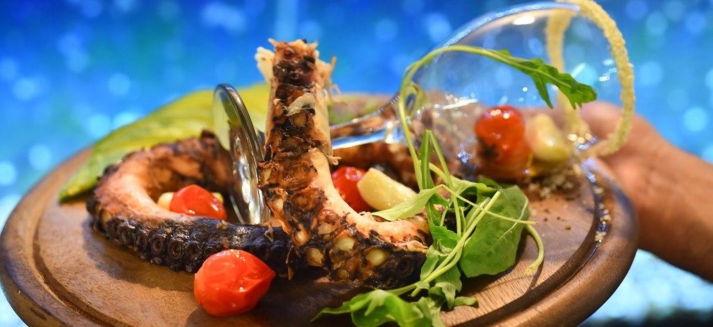 תמונת רקע מסעדת עכו והים