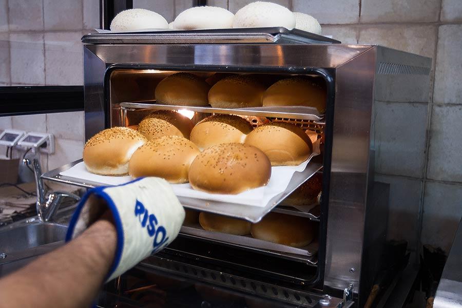 לחמניות המבורגר ישר מהתנור