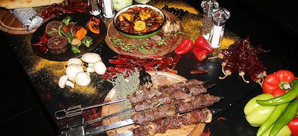 תמונת רקע אלמה בשר עם מסעדה