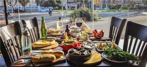 מימינו - מסעדה גרוזינית בחיפה