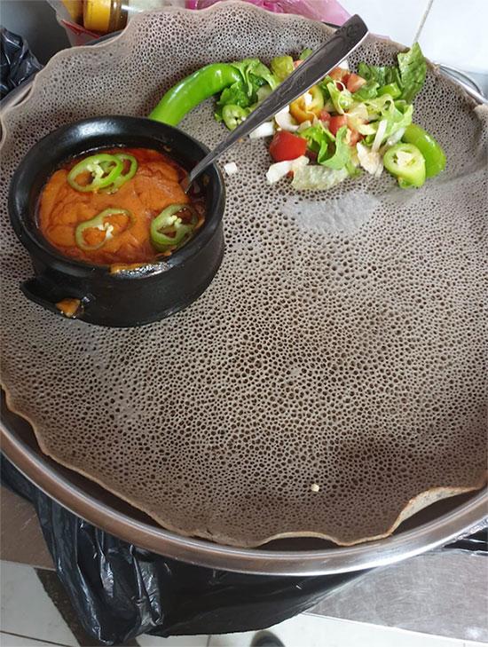 תמונה של מסרקיוי מסעדה אתיופית - 2