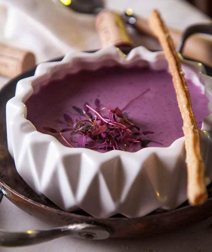 גספאצ'ו סגול של בראסרי עין כרם (צילום: אפיק גבאי)