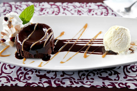 עוגת השוקולד של קפה יפו. צילום: עדיאל דוד