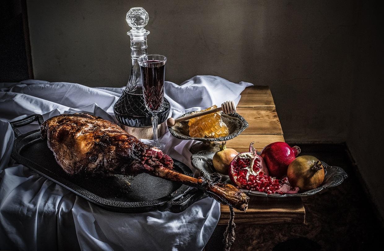 סעודת אבירים של המעשנה (צילום: סיון רושיאנו)