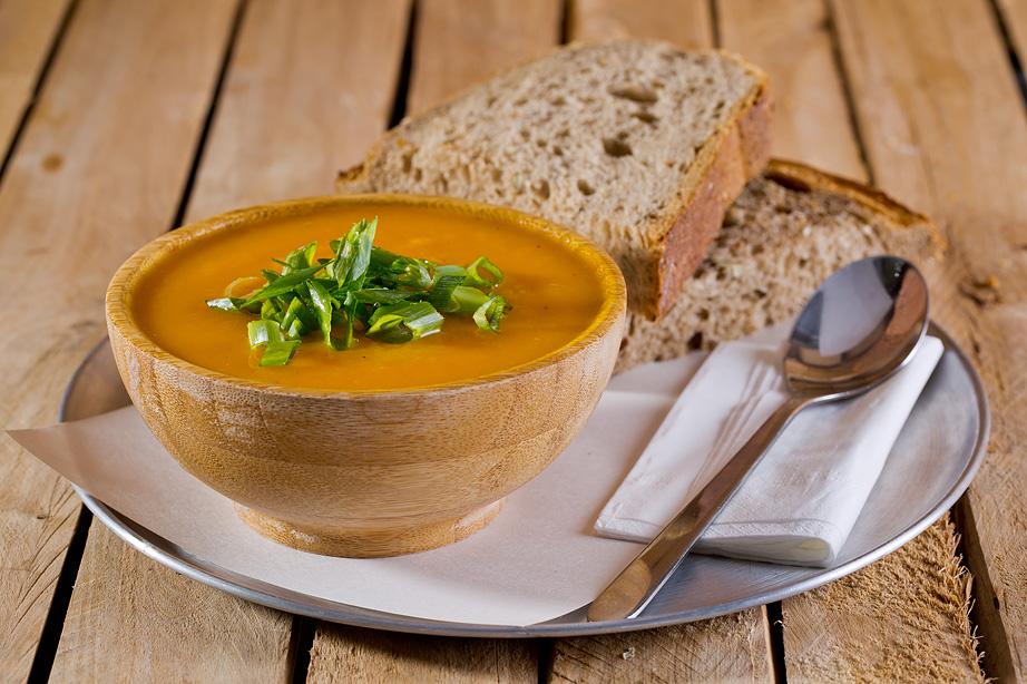 מרק טבעוני של מיץ מרק (צילום: בועז לביא)