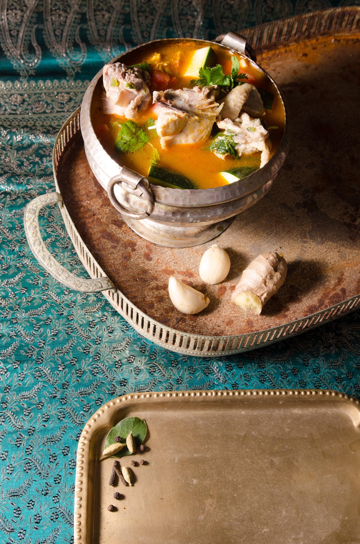 מרק עוף וירקות של טנדורי (צילום: יפית בשבקין)