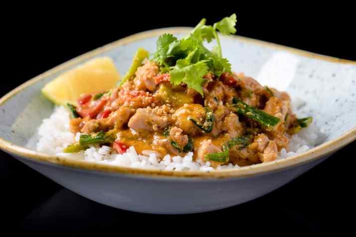 מנת קובי קארי של מסעדת טאיה (צילום: באדיבות המקום)