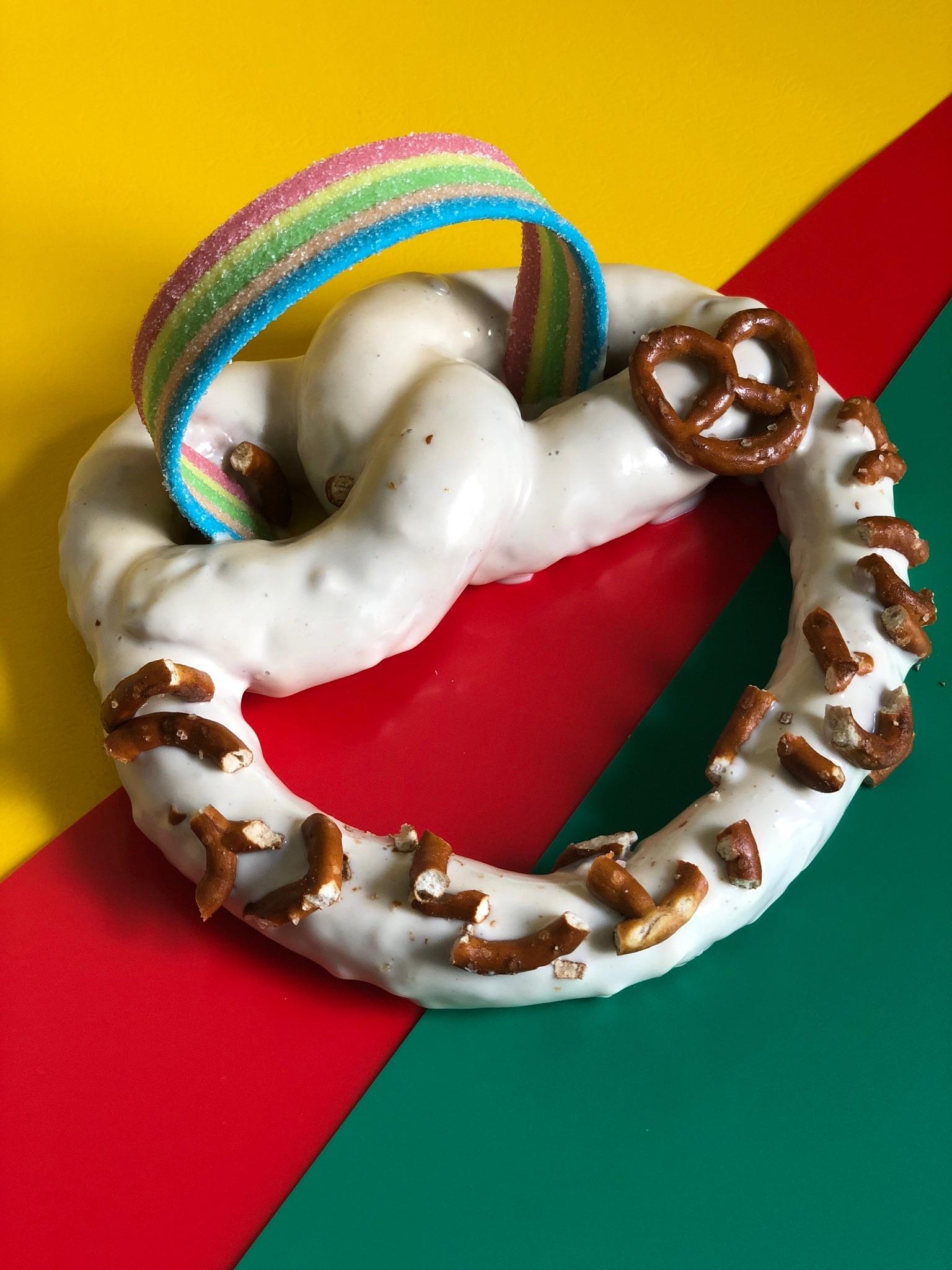 קינוח Queen pretzel (צילום: דניאלה שלו)