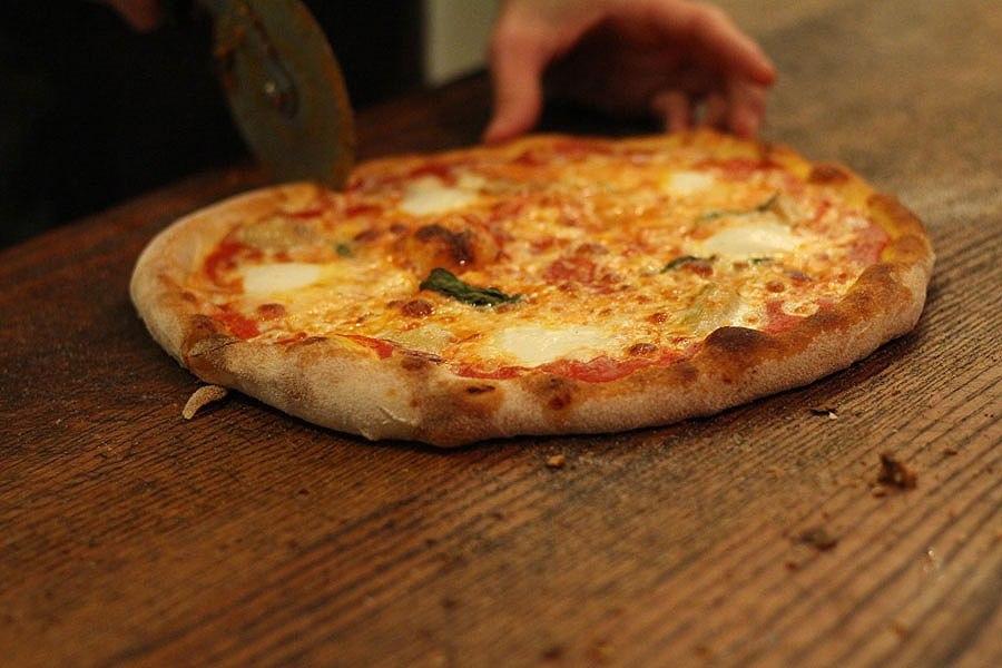 פיצה של גומבה (צילום: באדיבות המקום)