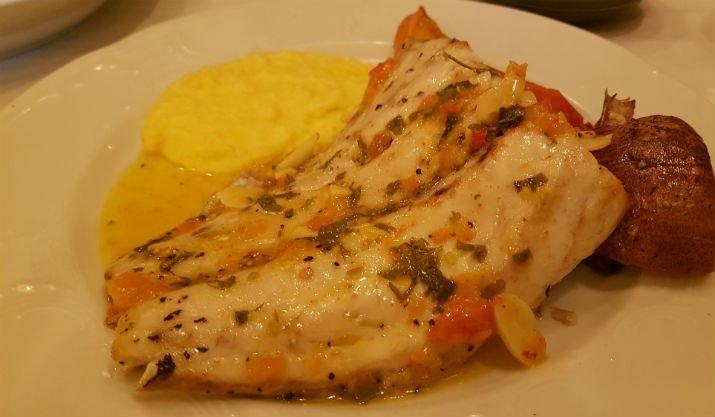דג משובח ופולנטה אלוהית. לימאני ביסטרו