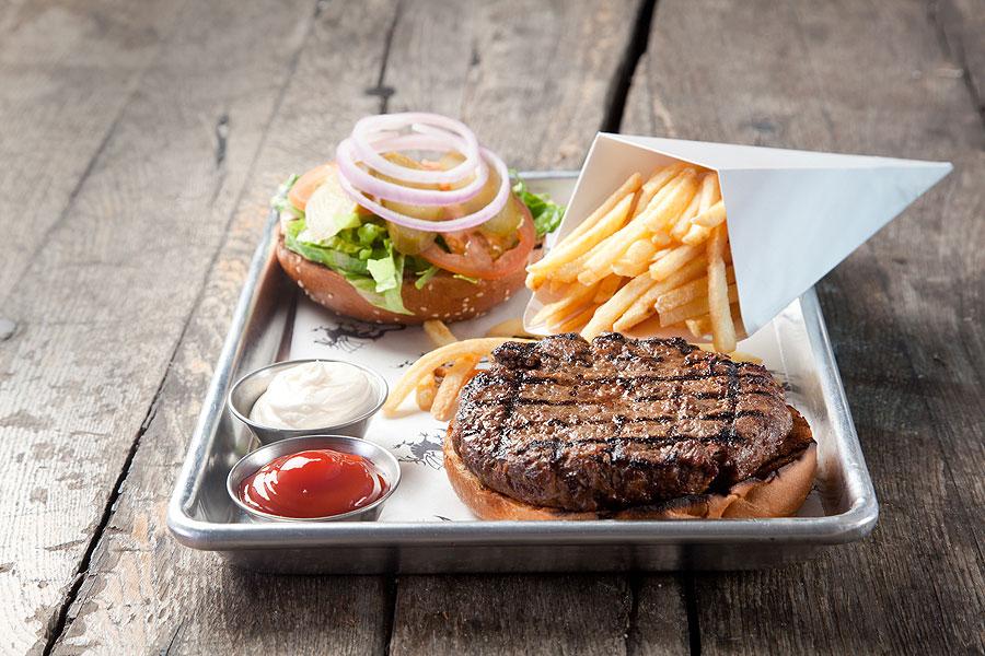 ההמבורגר של פטריק'ס. תמונה באדיבות המקום