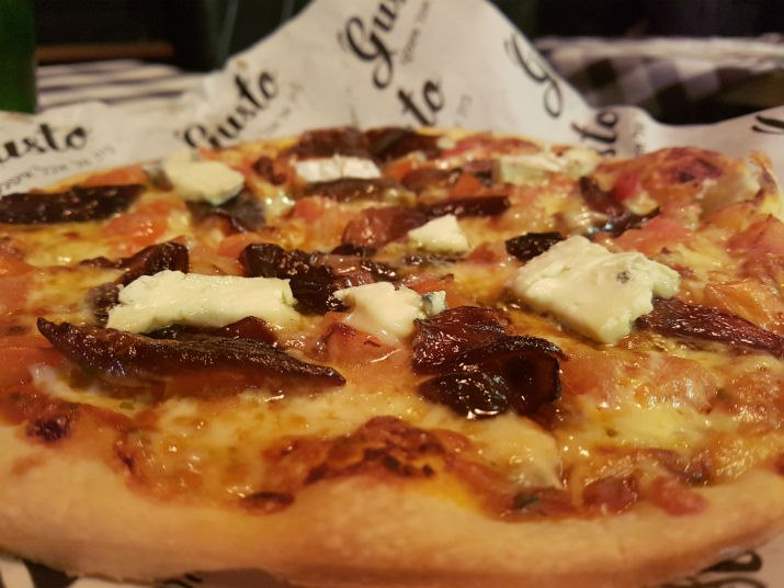 הפיצה המעולה של גוסטו
