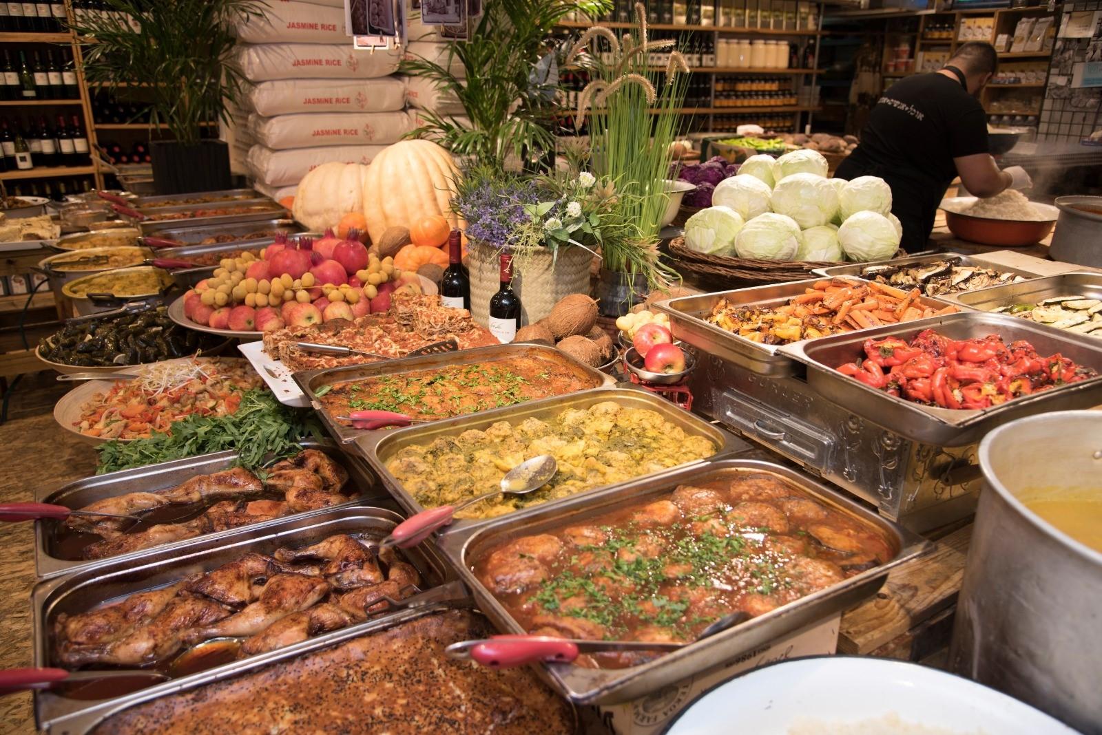 אוכל מוכן של ריחות וטעמים (צילום: רוני חמד)