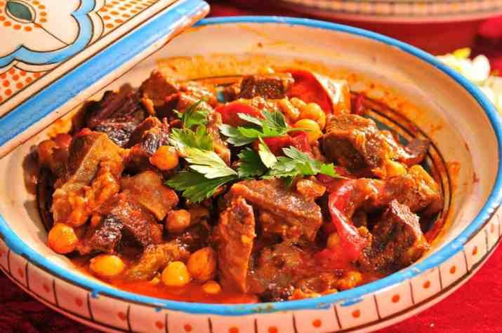 קדירת בשר במסעדת סהרה (צילום: ארנולד בר)