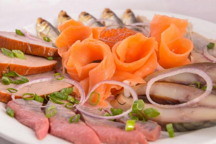פלטת דגים של פטרה (צילום: באדיבות המקום)