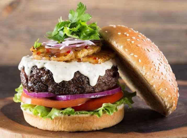 המבורגר של מייקס פלייס (צילום: באדיבות המקום)
