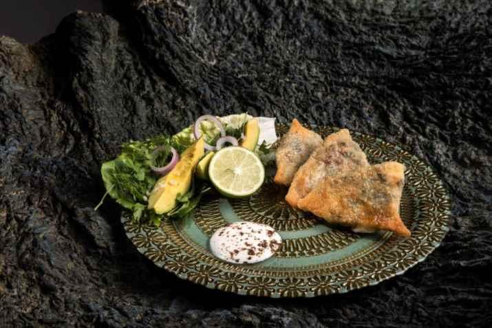 גוזלמה מאפה יוגורט במילוי תרד וטולום של זאדה (צילום: איליה מלניקוב)