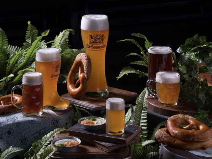 בירה ופרצל של ביר גרדן כפר סבא (צילום: אנטולי מיכאלו)