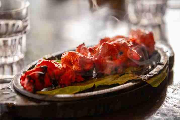 צ'יקן טיקה של מסעדת טנדורי (צילום: איתן וכסמן)