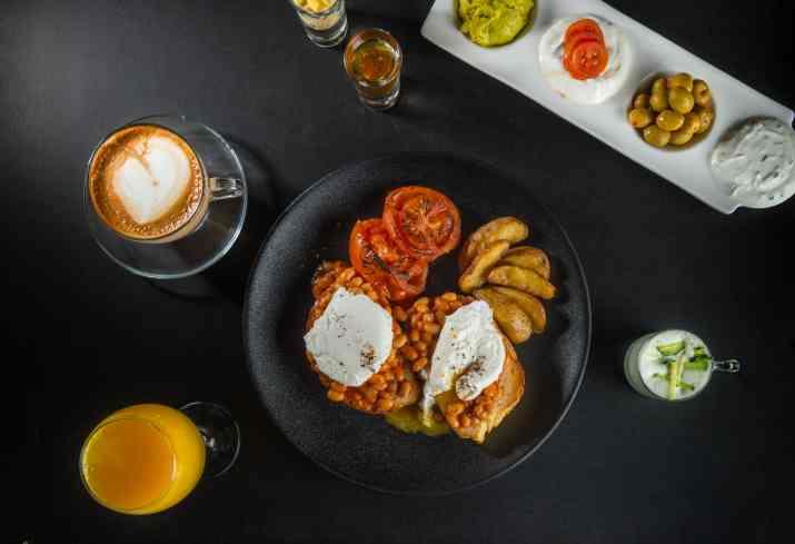 ארוחת בוקר במאתיאו (צילום: באדיבות המקום)
