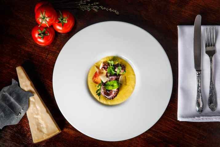 מנת פולפו במסעדת קורדרו (צילום: ולדי סולו)