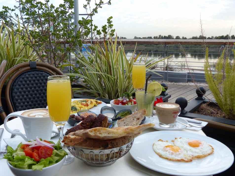 בוקר מושקע.ארוחת בוקר במסעדת פנטסיה(צילום:באדיבות המקום)