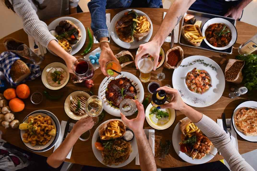 מגוון מנות במסעדת פלומרי רמת ישי (צלם: גלעד הר שלג)