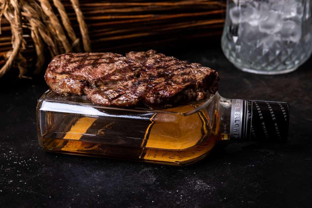 בשר ואלכוהול במסעדת רובינשטיין נתניה (צילום: באדיבות המקום)