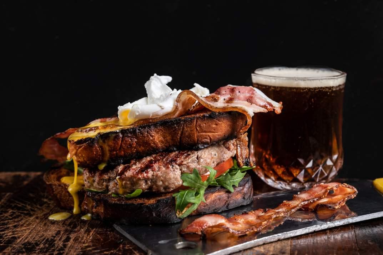 בשר ובירה במסעדת רובינשטיין נתניה (צילום: באדיבות המקום)