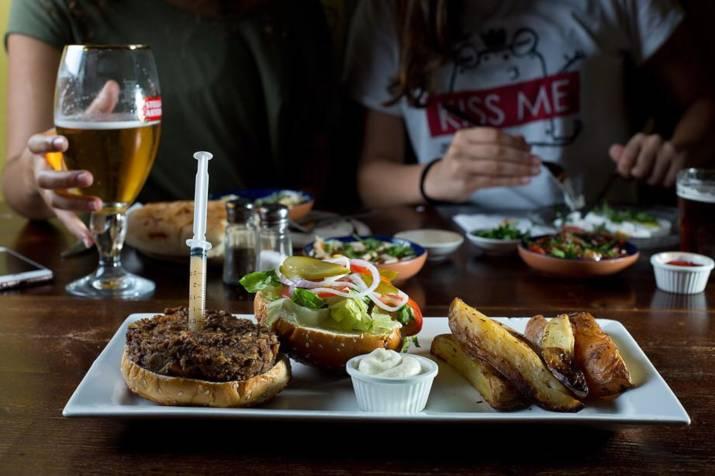 המבורגר בשאפל (צילום: דוד ששון)