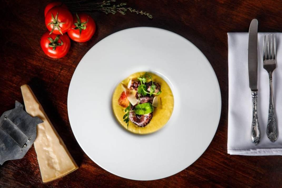 פולפו אלה פולנטה במסעדת קורדרו תל אביב (צלם: ולדי סולו)
