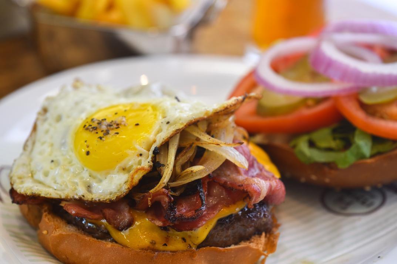המבורגר אנטריקוט במרינדו יקנעם (צילום: באדיבות המקום)