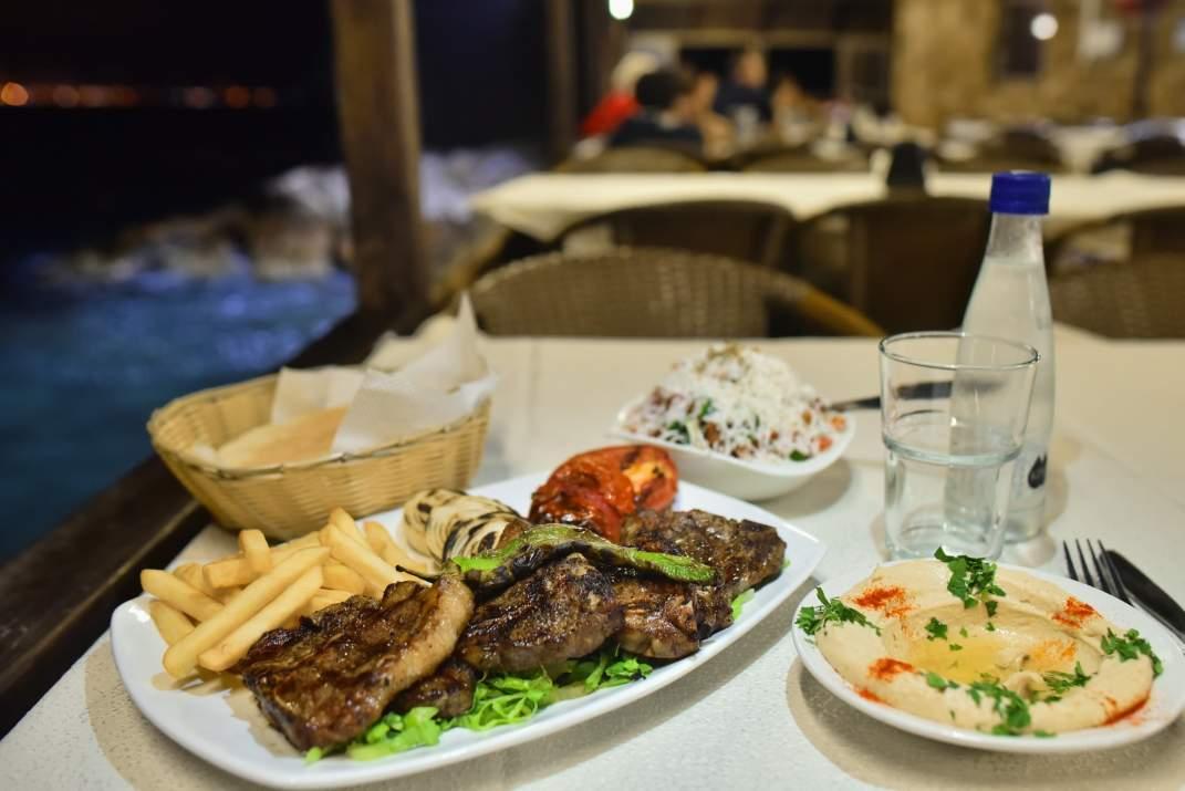 ארוחת בשרים במסעדת אבו כריסטו עכו (צילום: באדיבות המקום)
