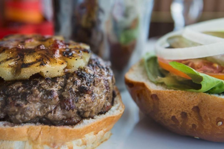 המבורגר באגאדיר בני ברק (צילום: באדיבות המקום)