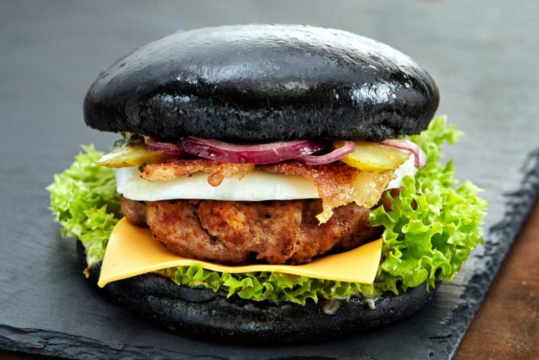 המבורגר שחור  (Shutterstock)