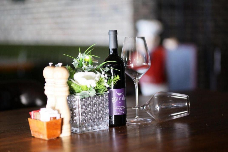 יין במסעדת היקב נתניה (צילום: באדיבות המקום)