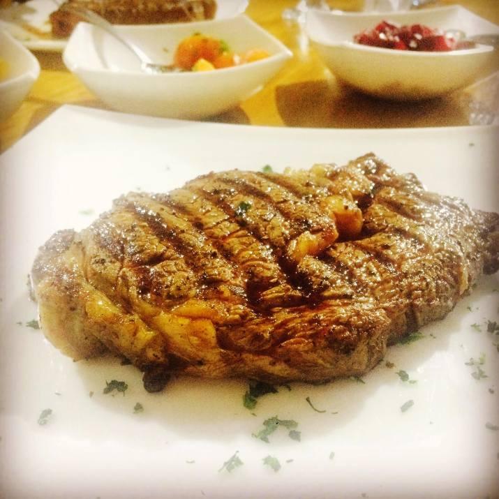 סטייק בשר בגיליס, נוב (צילום: באדיבות המקום)