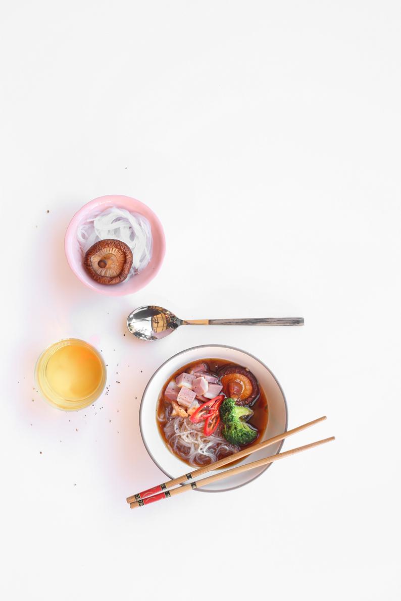 מרק דאשי של מסעדת אדום (צילום: אפרת ליכטנשטט)