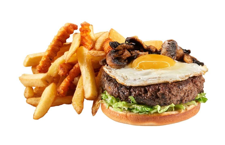 """המבורגר מיקס של בלאק (צילום: יח""""צ)"""