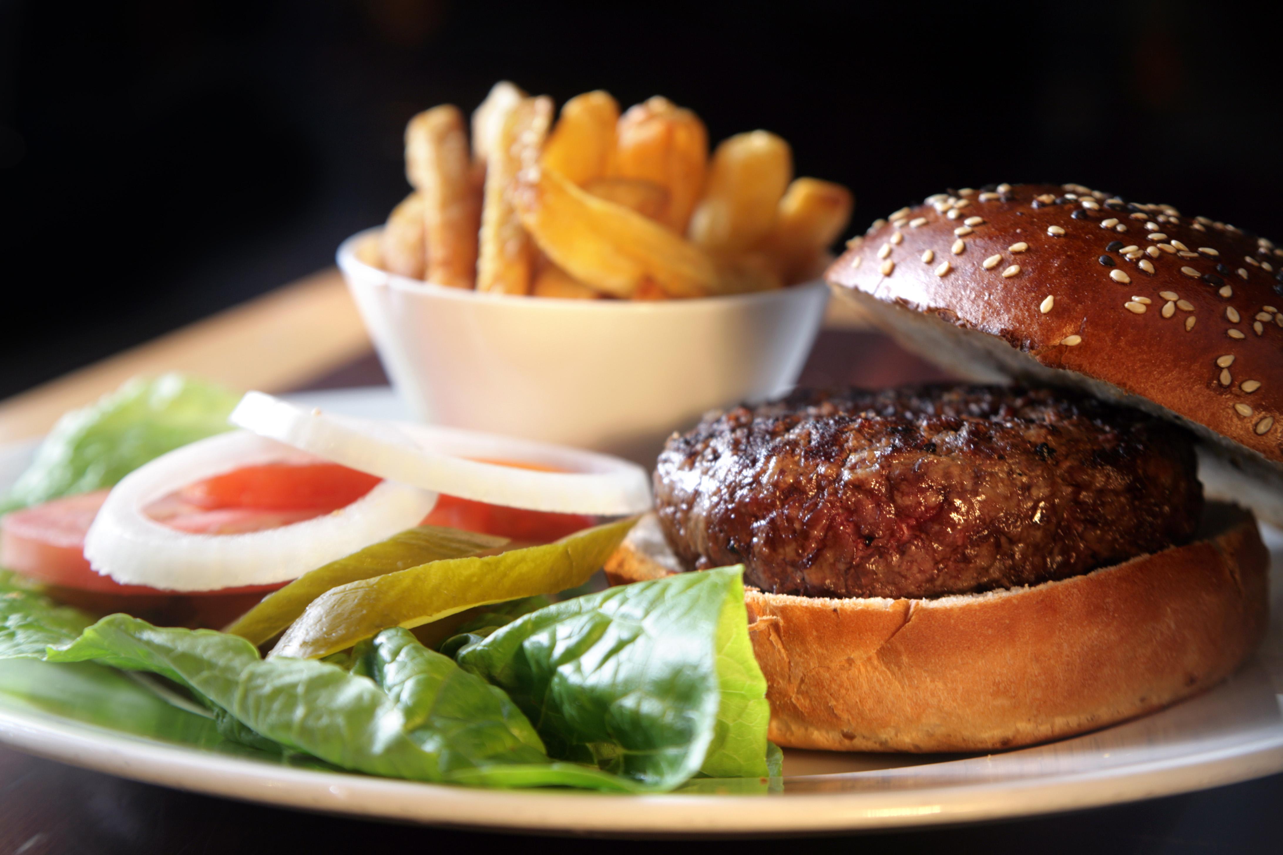 """המבורגר של דיקסי (צילום: יח""""צ)"""