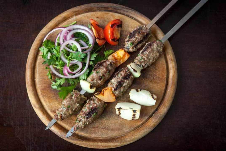 שיפודי בשר של חאלד עדוי, חיפה (צילום: באדיבות המקום)