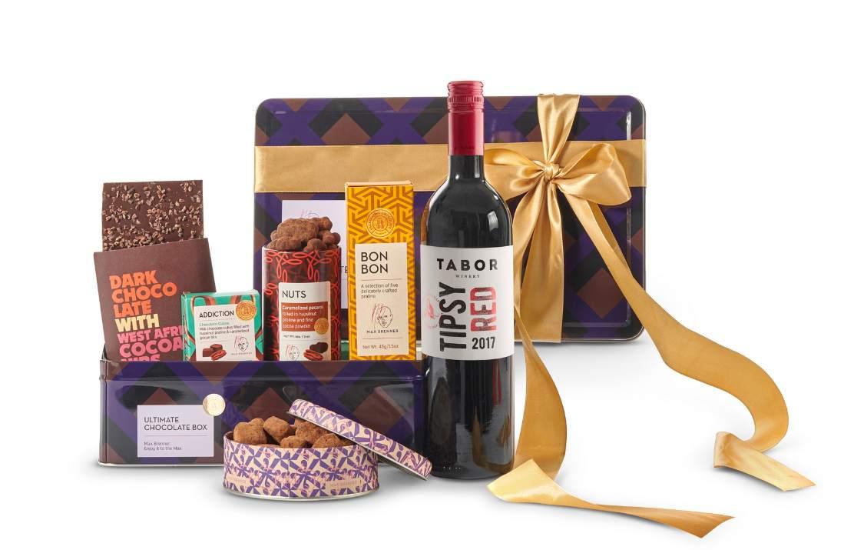 """מארז יין ושוקולד של מקס ברנר (צילום: יח""""צ)"""