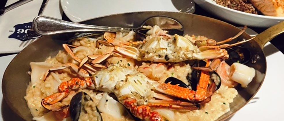 ארוחת ערב במסעדת 206 דגים